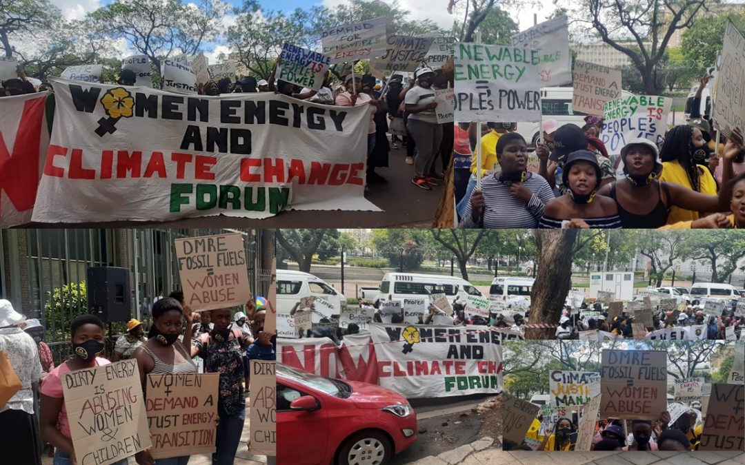 """Hundreds of women gathered outside DMRE Pretoria: """"STOP THE ABUSE OF WOMEN THROUGH POOR ENERGY CHOICES!"""""""